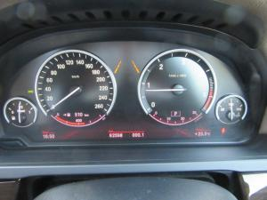 BMW 7 Series 730d - Image 12