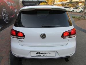 Volkswagen Golf GTI auto - Image 7