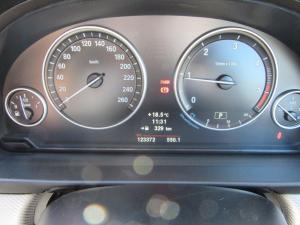 BMW 5 Series 520d - Image 12