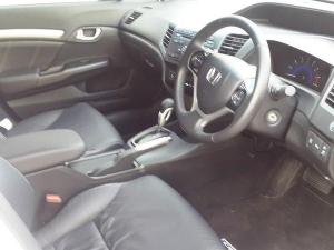 Honda Civic sedan 1.8 Executive auto - Image 3