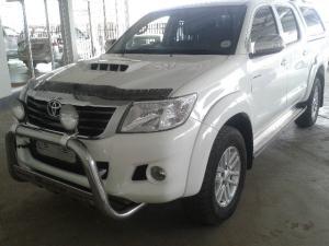 Toyota Hilux 3.0D-4D double cab 4x4 Raider - Image 2