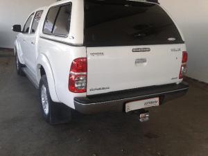 Toyota Hilux 3.0D-4D double cab 4x4 Raider - Image 3