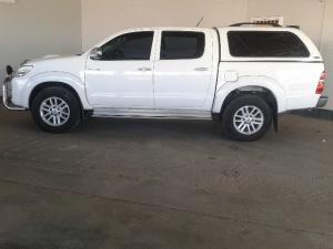 Toyota Hilux 3.0D-4D double cab 4x4 Raider - Image 4