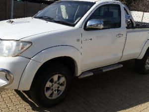 Toyota Hilux 3.0D-4D 4x4 Raider - Image 4