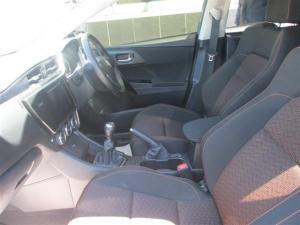 Toyota Auris 1.6 XS - Image 7