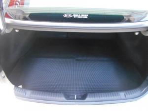 Kia Cerato Koup 1.6T GDiautomatic - Image 8