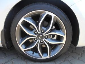 Kia Cerato Koup 1.6T GDiautomatic - Image 9