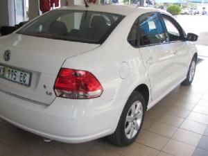 Volkswagen Polo sedan 1.6 Comfortline auto - Image 4