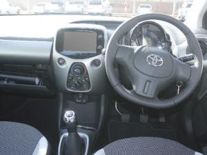 Toyota Aygo 1.0 - Image 8