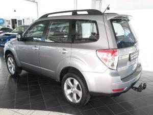Subaru Forester 2.5 XT automatic - Image 2