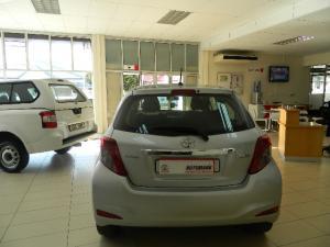 Toyota Yaris 5-door 1.3 XS auto - Image 4