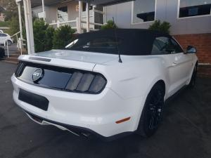Ford Mustang 5.0 GT convertible auto - Image 4