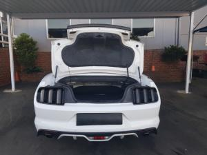 Ford Mustang 5.0 GT convertible auto - Image 6