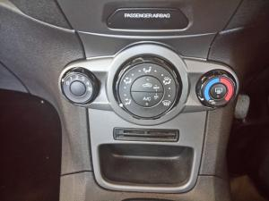 Ford Fiesta 5-door 1.6TDCi Ambiente - Image 4