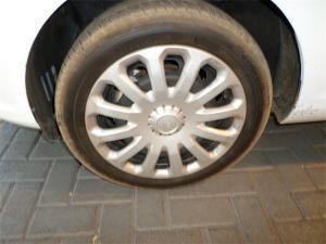 Ford Fiesta 5-door 1.6TDCi Ambiente - Image 6