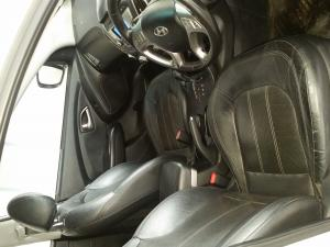 Hyundai ix35 2.4 4WD GLS Limited - Image 4