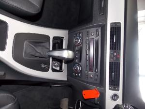 BMW 3 Series 320i steptronic - Image 10