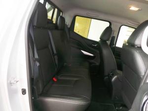 Nissan Navara 2.3D double cab 4x4 LE - Image 8