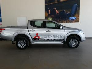 Mitsubishi Triton 2.4DI-D double cab auto - Image 2