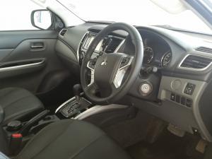 Mitsubishi Triton 2.4DI-D double cab auto - Image 4