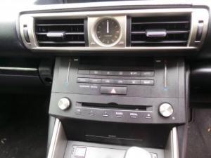 Lexus IS 200t E - Image 11