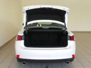 Lexus IS 200t E - Image 5