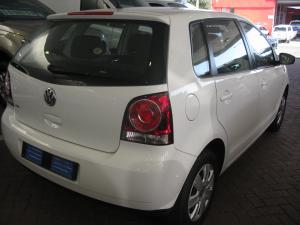 Volkswagen Polo Vivo 5-door 1.4 Trendline auto - Image 3
