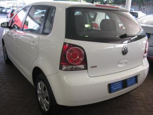 Volkswagen Polo Vivo 5-door 1.4 Trendline auto - Image 4