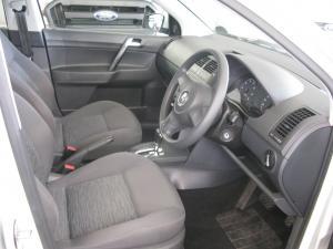 Volkswagen Polo Vivo 5-door 1.4 Trendline auto - Image 5