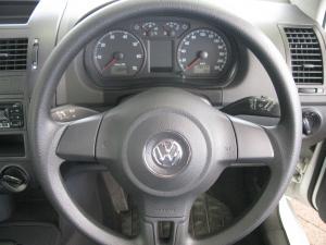 Volkswagen Polo Vivo 5-door 1.4 Trendline auto - Image 7