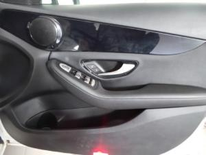 Mercedes-Benz C-Class C180 auto - Image 13
