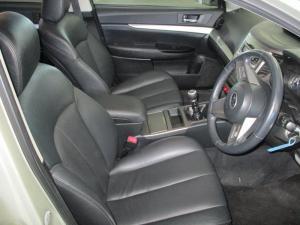 Subaru Outback 2.0D Premuim - Image 4
