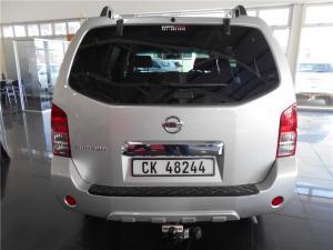 Nissan Pathfinder 2.5dCi SE auto - Image 3