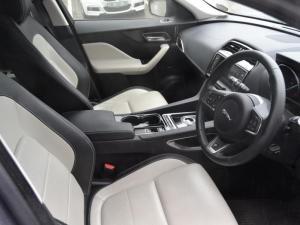 Jaguar F-Pace 30d AWD R-Sport - Image 9