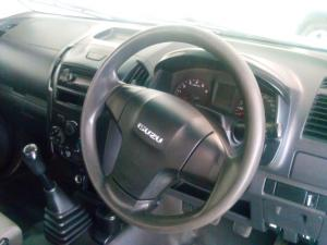Isuzu KB 250D-Teq Fleetside (safety pack) - Image 5
