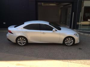 Lexus IS 200T EX - Image 5