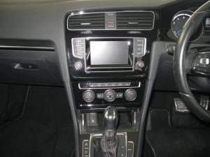 Volkswagen Golf R - Image 8