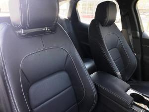 Jaguar XE 2.0 Prestige automatic - Image 9