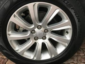 Land Rover Discovery Sport 2.2 SD4 HSE - Image 7