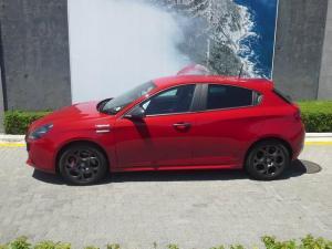 Alfa Romeo Giulietta 1750T Veloce TCT 5-Door - Image 11