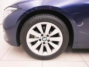 BMW 318i automatic - Image 8