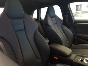 Audi RS3 Sportback Stronic - Image 10
