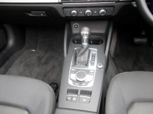 Audi A3 2.0T FSI Stronic Cabriolet - Image 10