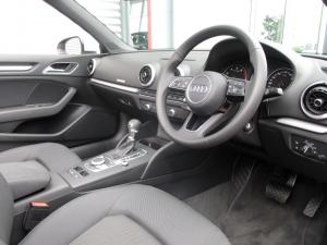 Audi A3 2.0T FSI Stronic Cabriolet - Image 13
