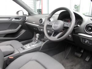 Audi A3 2.0T FSI Stronic Cabriolet - Image 13