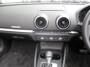 Audi A3 2.0T FSI Stronic Cabriolet - Image 9