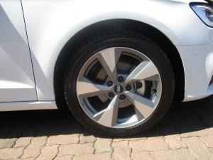 Audi A3 Sportback 2.0 TDI Stronic - Image 12