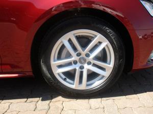 Audi A4 2.0 TDI Sport Stronic - Image 11