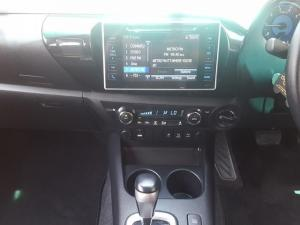 Toyota Hilux 2.8 GD-6 Raider 4X4D/C automatic - Image 9