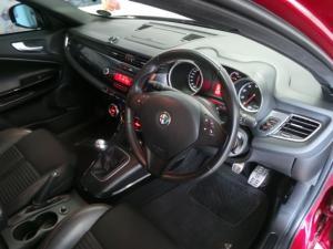 Alfa Romeo Giulietta 1750TBi Quadrifoglio Verde - Image 7